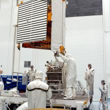 Spacecraft Lift to the Payload Adapter
