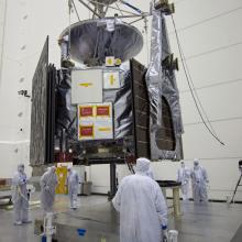 Lifting JUNO onto the Fueling Stand