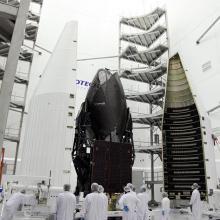 Technicians Ready the Atlas V-Meter Fairings