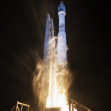 Liftoff of TDRS-L